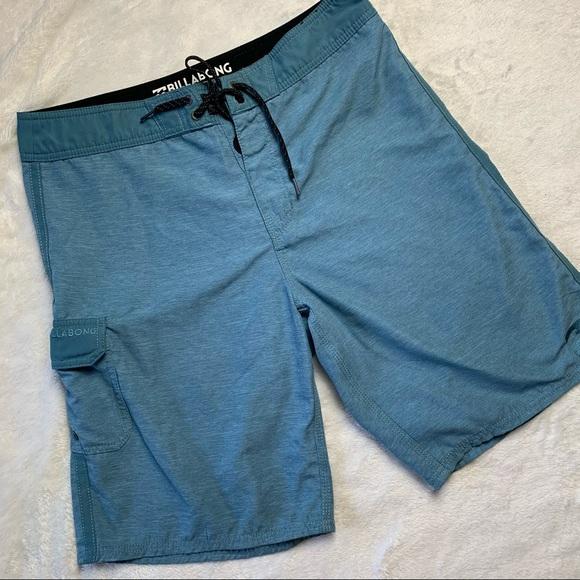 Billabong Board Shorts, size 33 🏝
